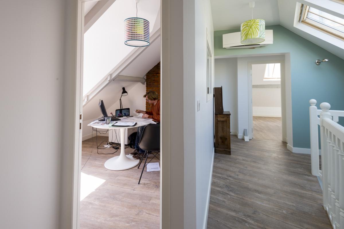 coworking nantes proche de la gare dans une maison de famille. Black Bedroom Furniture Sets. Home Design Ideas